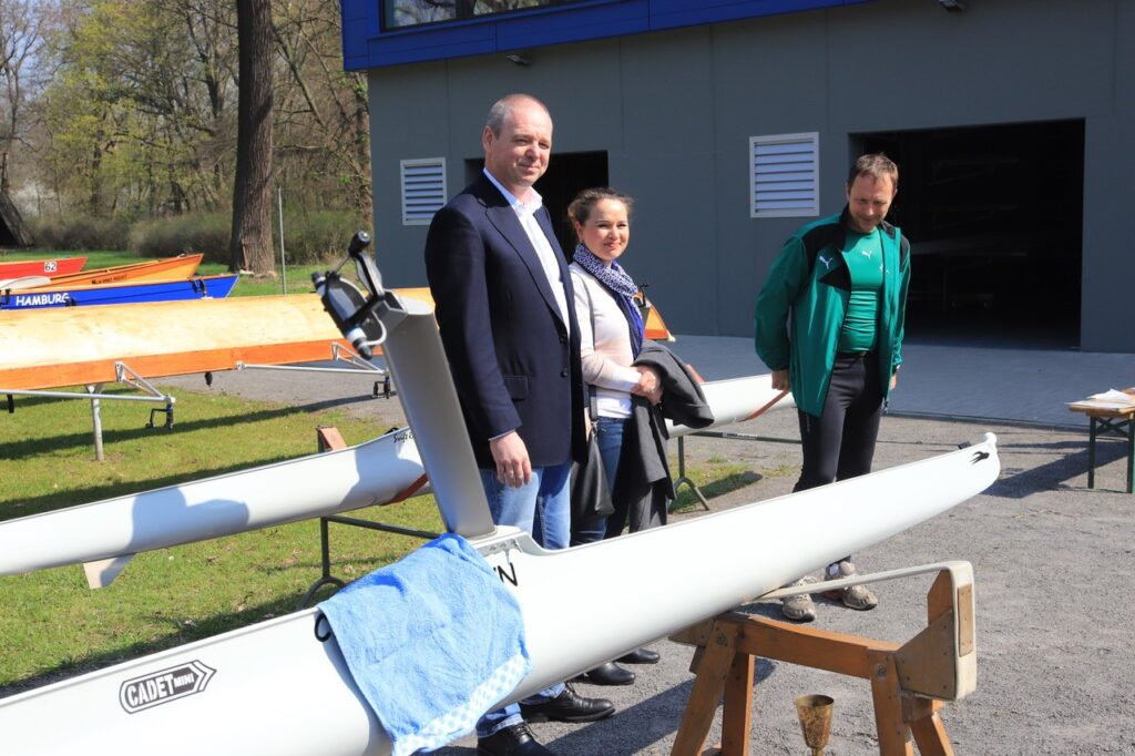 2-SanaBio-engages-in-sponsoring-young-rowing-athletes-in-Schnebeck